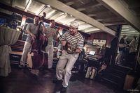 Hudební vystoupení na Salonní rychlolodi Nepomuk | Pražské Benátky