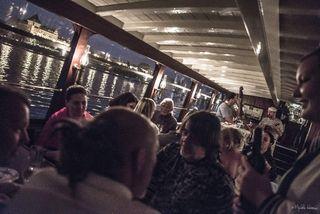 Zábava na večírku na Salonní rychlolodi Nepomuk | Pražské Benátky