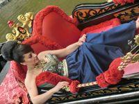 Lucie Bílá na Benátské gondole | Pražské Benátky