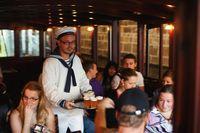 Občerstvení na palubě | Pražské Benátky